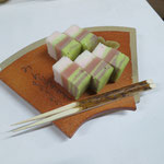 薄茶席菓子・半田松華堂はつ春棹菓子、塩月宗芯造・重扇形菓子器