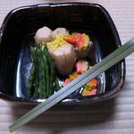 炊き合せ 弥栄子先生作四方鉢