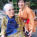 小学館「和樂」での連載、単行本編集で大変お世話になったライターの植田伊津子さんと。