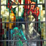 """Glasfenster """"Auferstehung"""", entworfen von Paul Monnier"""