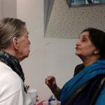 Veena Kohli (rechts) AIWC Indien