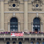 """Bern - """"Helvetia ruft!"""" AllianceF auf dem Balkon des Bundeshauses"""