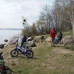 Picknick am Wegesrand (schöner Badestrand) ...