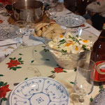 heilig Abend Kartoffelsalat und Würstchen
