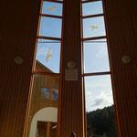Großes Fenster Seminarhalle Samana