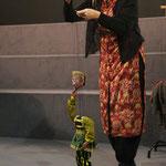 Martine Palmer, démonstration marionnettes Kaputhli