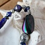 Langer Schlüsselanhänger Herzanhänger mit Herz Antiksilber mit blauen Glasperlen und Rondellen, Metallperlen, Blumenrondellen