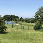 Blick auf das Naturschwimmbad
