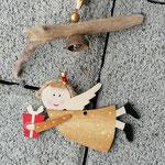 Weihnachtsdeko Weihnachts Advents Girlande Lucky Angel mit Engelsanhänger, goldenen Sternenperlen mit rotem Muster, roten Glasperlen, goldenen Acrylperlen, Eichelhütchen