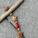Weihnachtsdeko Weihnachts Advents Girlande Lucky Angel mit Engelsanhänger, goldenen Sternenperlen mit rotem Muster, roten Glasperlen und goldenen Acrylperlen, Eichelhütchen