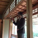 松戸市戸定歴史館 斎藤洋一館長の説明