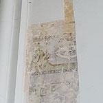 Freilegung der übermalten Schablonenmalerei durch Diplomrestauratoren zur Bestimmung der ursprünglichen Gestaltung.