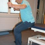 dito Bild 4 Ausführung beide Arme seitl. mit Gewicht bewegen