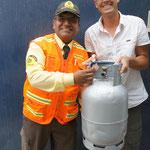 Et hop la bouteille de gaz argentine devient péruvienne après peinture !