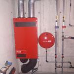 Hoval Fr251 Lüftungsanlage senkrecht montiert mit eingebauten VOC Sensoren.