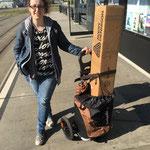 und auf gehts mit dem Tram nach Zürich (Foto Sara)