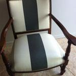 fauteuil aprés, teinte chêne foncé tissu ka international