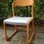 Réfection tissu chaise traineau années 60 - Tissu Satin Grey Chiné de Sunbrella