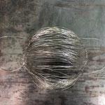 """Maske """"Ohne Maulkorb 1+2"""" von Ben M.Dean, Draht geflochten, 2020 / Einzelexemplar / Preis EUR 180 inkl. USt."""