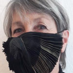 "Mask 10 ""Korone"" by Ursi Fürtler + Wally Jungwirth, 2020, fan and guinea fowl scarf, printed, processed into a mask, with 2 inlets, velcro closures"