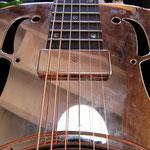 Amplification guitare à résonateur
