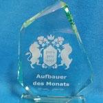30. Ehrenpreis aus geschliffenem Jade-Glas mit Lasergravur