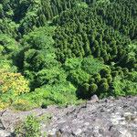 望雲台の頂上よりの崖