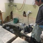 配管も厨房位置に合わせて新しく。