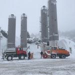 Schneeräumung und Salzstreuen mit U1600 und Rolba 1500