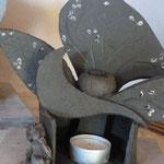 Brûle-parfum Sylvie Ruiz comprenant une sculpture de Caco - grès cru -