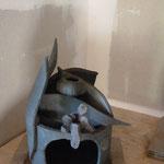 Sculpture de Caco sur brûle-parfum de Sylvie Ruiz - grès cru -