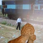 Train à l'arrêt dans la campagne Indienne ...