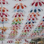 Les parapluies de couleur de l'artiste Patricia Cunha