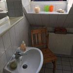 Etagenbad Waschbecken