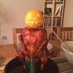 gegrillte Vogelscheuche, Halloween, Brathähnchen