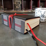 Verschlossen wird das Wanderbuch mit einer Kolumnenschnur, die auch verwendet werden kann