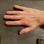meine Hände im typografischen Maß
