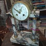 Pendule ancienne en marbre