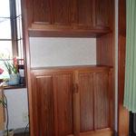 古杉の食器棚