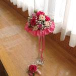 ウェディングの花 ミニラウンドブーケとブトニア
