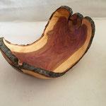 Schale aus Pflaume dm ca 27 cm Höhe ca. 14 cm  Preis 85.- €