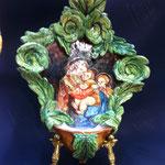 27B - Aquasantiera in ceramica dipinta a mano