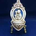 """34B - Acquasantiera in ceramica stile Luca della Robbia """"Madonna con Bambino"""""""