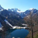 Ausblick vom Gipfel über den Vorderen Langbathsee