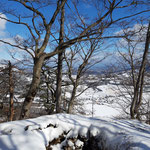 Etwas unterhalb des Gipfel befindet sich dieses Loch - Vorsicht im Winter, falls es nicht so gut zu sehen ist