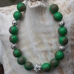 Kinder Mädchen Perlenarmband Farfalla mit 8mm grünen Acrylperlen mit roten Ornamenten, Silberdrahtperlen & Silberdrahtperle mit Strasssteinen, Blumen Knebelverschluss