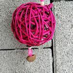 Weihnachtsdeko Weihnachts Advents Girlande Cinnamon Star mit pinken Rattankugeln, Eichelhütchen, Bucheneckern, rosa & pinken Acrylperlen, Sternanhänger mit weissen Sternen