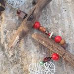 Weihnachts Advents Schwemmholz Girlande Fensterdekoration Türschmuck Father Christmas mit weissen Drahtherzen, indianischen Holzperlen