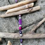 Schwemmholzgirlande Treibholz Windspiel Mobile Türdekoration Wohn Accessoire mit pinken Glanzperlen, lila und violetten Glasperlen, silbernen Acrylperlen