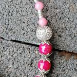 Schwemmholzgirlande Treibholzdesign Mobile Windspiel Wohn Accessoire Wohnschmuck Fensterdeko mit Schmetterlingsanhänger weiss rosa, pinken Acrylperlen, rosa Glasperlen, Drahtsilberperle